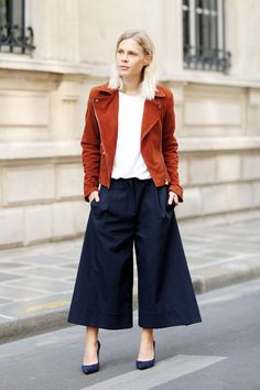 If you haven't jumped on the culottes trend yet, these dark denim beauties are the perfect thing to take your wardrobe into cooler weather.