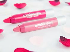Crayons jumbos à lèvres Colour Lip-Stix (Models Own) - Teintes Beauty Blush et Raspberry Cool #blog #beaute #maquillage #makeup #lips #crayon #jumbo #levres #colourlipstix #modelsown #rose #nude #beautyblush #framboise #raspberrycool #revue #avis #swatch #swatches http://mamzelleboom.com/2015/02/19/crayon-jumbo-levres-colour-lip-stix-lipstick-models-own-rose-clair-nude-neutre-beauty-blush-rouge-framboise-fuchsia-raspberry-cool-swatch-swatches/