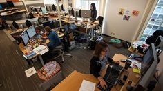 Teknoloji şirketlerinde çalışan stajyerler ne kadar maaş alıyor? Guinness, Michigan, Desk, Home Decor, Desktop, Decoration Home, Room Decor, Table Desk, Office Desk