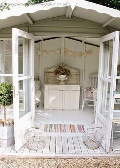 8 Simple and Impressive Ideas: Shabby Chic Vanity Girly shabby chic bedroom floral.Shabby Chic Salon All White shabby chic living room design. Shabby Chic Terrasse, Shabby Chic Outdoor Decor, Shabby Chic Porch, Shabby Chic Living Room, Shabby Chic Kitchen, Shabby Chic Homes, Shabby Chic Furniture, House Furniture, Shabby Chic Garden
