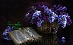 basket of lilac-wallpaper