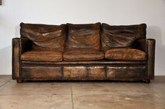 VINTAGE CUSTOM LEATHER SOFA  ca 1930 image 5