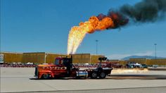 Siadaj na traktor i ogień! - http://auto365.pl/artykuly/nowosci-na-stronie/siadaj-na-traktor-i-ogien/