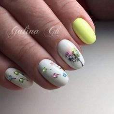 Adding some glitter nail art designs to your repertoire can glam up your style within a few hours. Check our fav Glitter Nail Art Designs and get inspired! Simple Nail Art Designs, Cute Nail Designs, Easy Nail Art, Cute Nails, Pretty Nails, My Nails, Spring Nails, Summer Nails, Nagellack Trends