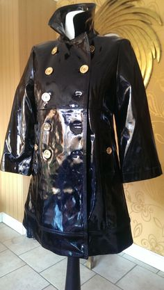 Can anyone tell me who designed this wonderful coat and when?