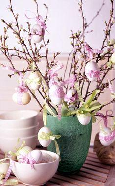 Diy Osterschmuck, About Easter, Diy Easter Decorations, Diy Ostern, Easter Celebration, Silk Flower Arrangements, Egg Decorating, Vintage Easter, Easter Crafts
