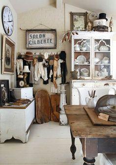 Shabby Chic Home Decor Shabby Chic Vintage, Vintage Decor, Cottage Chic, Cottage Style, Rustic Cottage, Cocinas Kitchen, Flea Market Style, Creation Deco, Looks Vintage