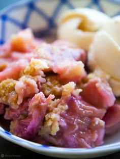 A quick and easy version of rhubarb crumble without the extra strawberries, apples or excess sugar of other recipes. Rhubarb Crumble Cake, Rhubarb Pudding, Crumble Topping, Crumble Recipe, Rhubarb Recipes, Fruit Recipes, Sticky Toffee Pudding, My Favorite Food, Favorite Recipes