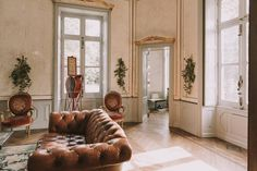 Escape to the Chateau | Vintage Wedding in the Chateau de la Motte Husson