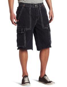Dit is een short die alle mannen een zwaarder uitzicht geeft dan ze in werkelijkheid hebben.  Door een kortere versie te dragen los je dit snel op. Niettemin, een short hoort nooit thuis op de werkplek.