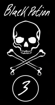 Label bottle Halloween Apothecary : Black potion  skull printable