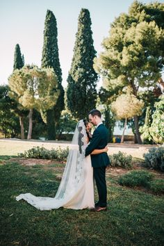 A Beautiful Destination Wedding in Croatia Wedding Couples, Wedding Day, Wedding Styles, Wedding Photos, Photography Ideas, Wedding Photography, Cathedral Wedding Veils, Bride Veil, Vestidos