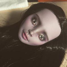 463 отметок «Нравится», 8 комментариев — Olga Kamenetskaya (@oli.krolik) в Instagram: «Marisol Coxi in progress #marisolcoxi #monsterhigh #monsterhighooak #ooak #custom #doll #repaint…»