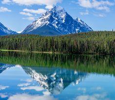 Jasper National Park Canada in early spring. [OC] [5946 x 5151]