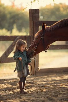 Equestrian for kids : Benefits of horse riding for kids Cute Horses, Horse Love, Beautiful Horses, Animals Beautiful, Beautiful Smile, Animals For Kids, Animals And Pets, Baby Animals, Cute Animals