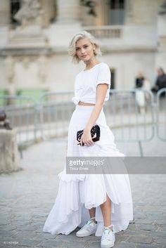 Sarah Ellen seen in the streets of Paris during Paris Fashion Week Spring/Summer 2017 on September 29, 2016 in Paris, France.