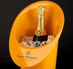The art of appreciating a Champagne - Champagne Veuve Clicquot Cristal Champagne, Best Champagne, Pernod Ricard, Veuve Clicquot, Wine Tasting, Wines, Liquor, Barware, Appreciation