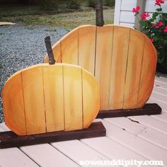 Recycled Wood Pumpkins Your next project this fall: these recycled wood pumpkins!Your next project this fall: these recycled wood pumpkins! Wooden Crafts, Recycled Crafts, Recycled Wood, Fall Halloween, Halloween Crafts, Halloween Decorations, Fall Decorations, Halloween Stuff, Wood Projects For Kids