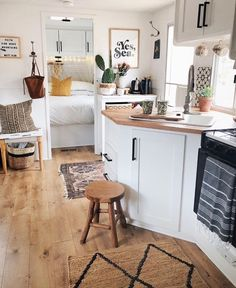Things To Consider When Looking For RV Camper Interior Renovation Ideas On A Budget. If you're ready to make some big changes in your RV, Tiny House Living, Rv Living, Living In A Camper, Camper Renovation, Home Renovation, Chaise Ikea, Architecture Renovation, Design Living Room, Rv Makeover