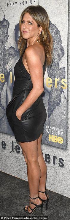 Braless Jennifer Aniston wears skintight leather dress | Daily Mail Online