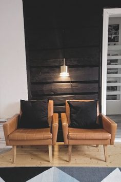 Outdoor Chairs, Outdoor Furniture, Outdoor Decor, Log Houses, Retro, Building, Awesome, Interior, Beautiful