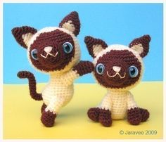 Etsy の Siamese Kitten  PDF Crochet Pattern by jaravee