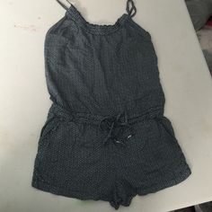 Juniors girls one piece jumpsuit Juniors girls one piece jumpsuit, size small, great condition cute and comfy summer outfit Aeropostale Shorts