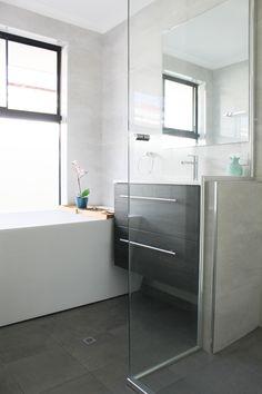 New ideas small dark wood bathroom tubs Dark Wood Bathroom, Laundry In Bathroom, Bathroom Tubs, Master Bathrooms, Family Bathroom, Wood Furniture Living Room, Dark Wood Furniture, Wall Hung Vanity, Wood Vanity