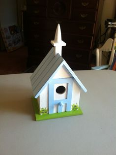 I did this one for my friend Pat at church. Our church building is cream with light blue trim.
