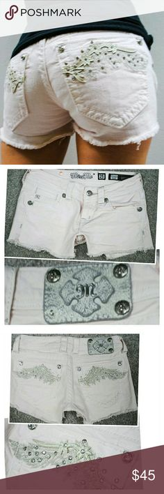 MISS ME PINK RHINESTONE WING JEAN SHORTS 25 0 Missing a rivet off the back logo tag  No stains Miss Me Shorts Jean Shorts