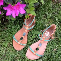 DOLCE VITA STRAPPY SANDALS 9 Super cute and easy to wear DOLCE VITA strappy flat sandals! Zipper entry at heel. Gold-tone hardware and faux green stones on foot. Gently used condition. Ready for spring and summer! ☀️ Dolce Vita Shoes Sandals