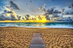 It was a lonely beach! So sad. I think I had a lot of things to talk about this day too! I can't remember. Sometimes Twitter and Facebook just don't cut it! - Palm Beach, Florida - Photo from #treyratcliff Trey Ratcliff at http://www.StuckInCustoms.com