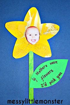 Spring flower craft for kids. Perfect mothers day gift including a photograph and the saying 'if mothers were flowers id pick you'. Babies, toddlers, preschoolers, eyfs.