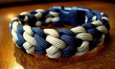 Snake Belly Bar Paracord Bracelet with a Side Release Buckle