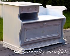 telefonbank in wei shabby chic aufgearbeitet diy pinterest telefonbank shabby chic und. Black Bedroom Furniture Sets. Home Design Ideas