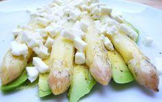 Lauwarmer Spargel mit Avocado, Feta und Vanille