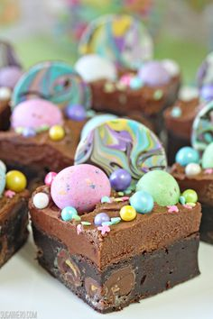 These Malted Milk Chocolate Brownies are ultra-fudgy brownies, packed with malted candies and topped with chocolate frosting and LOTS of fun sprinkles and candies! Perfect for Easter, showers, and parties. They would even work as unicorn brownies! Chocolate Frosting, Chocolate Brownies, Chocolate Recipes, Fudgy Brownies, Chocolate Lovers, Dessert Bars, Dessert Recipes, Bar Recipes, Gastronomia