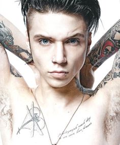 Andy Biersack,I'm in love. Andy Black, Andy Biersack, Jake Pitts, Black Veil Brides Andy, Emo Bands, Music Bands, Bvb Fan, Pierce The Veil, Attractive People