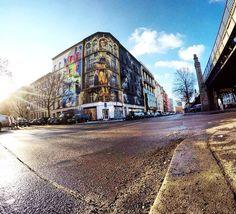 Sunny corner in #Berlin #schöneberg #urbannationberlin by #lihill,  #handiedan & #satone  #streetartberlin #urbanart #wallart #streetarteverywhere