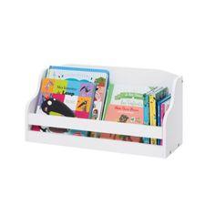 Cette étagère s'accroche au mur à côté d'un bureau par exemple pour augmenter le nombre de rangement. Avec une profondeur de 20 cm, elle accueille livres et jouets. Fixée à la hauteur de l'enfant, il accède seul à ses albums, et fait ses premiers pas vers l'autonomie.