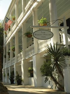 Rhett House Inn - Beaufort, SC... This would be PERFECT. I want a small wedding with lots of charm!