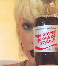 Taylor with a Diet Coke bottle with Style lyrics on them at the Met Gala! ❤️❤️ #adelaidemeetandgreet #taylorswift #taylornation #theswiftietag #caylor #sweeran #loft89 #1989WorldTourLIVE @taylorswift @taylornation
