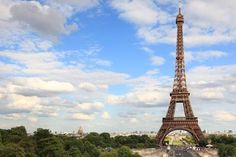 Planning to do Paris in 4 days? Here are some itineraries you can plan your trip with. Want to see only top Paris sites like the Eiffel Tower and the Louvre Museum or perhaps exploring some of the less visited sites is what you're thinking of? Take a look below at the suggested itineraries for a perfect trip to Paris in 4 days.
