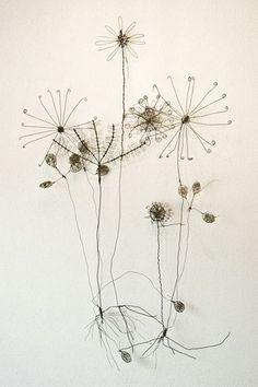 petitagite:Wire Sculpture by Ben Coutouvidis