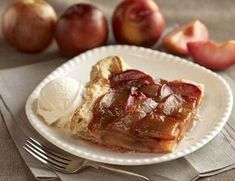 You can do so much with Plumcots! We love this tasty Plumcot Tart. Fruit Recipes, Pear, Mango, Berries, French Toast, Sweet Tooth, Fresh, Canning, Manga