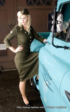 the more I see these military style pin up dresses the more I think I really want one...7.