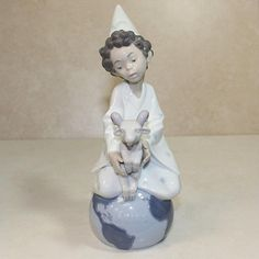 Figurine By Lladro 6221 Crafted Of Fine Quality Spanish