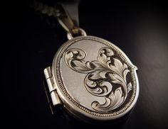 Art Nouveau mano inspirado grabado plata Locket
