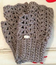 crochet- fingerless gloves