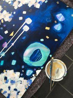 Velkommen til min hjemmeside, hvor du kan se mine malerier, store som små. Jeg er dog gladest for at male store malerier, men jeg prøver også at øve mig i at male de små. Her på siden vil jeg prøve at give dig et indblik i, hvad der inspirerer mig til at male netop det billede. Oftest er det natu...